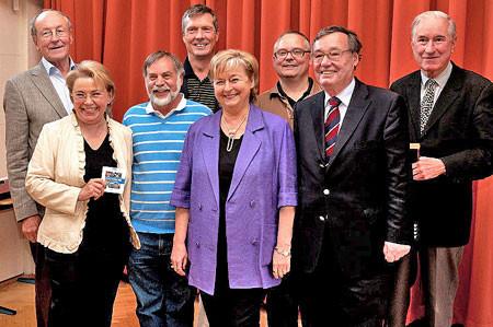 Der neue Vorstand: Hans Joachim Jürs, Ingelor Schmidt, Siegbert Rubsch, Joerg Kilian, Barbara Ahrons, Volker Bulla, Rainer Funke, Jürgen Frantz