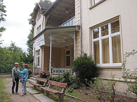 Die Lippert`sche Villa vom Garstedter Weg aus gesehen