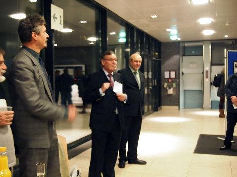 Joerg Kilian und Rainer Funke vom Forum Kollau und Harald Elsner vom VVM eröffneten die Ausstellung | Foto I. Schmidt