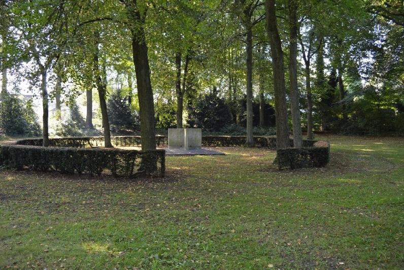 Das Ehrenmal am Kriegerdankweg wurde 1966 neu gestaltet.