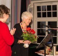 Silke Frakstein erhielt viel Beifall für ihre Lesung. Sie hat Joachim Mähl bereits vor einiger Zeit mit ihrer hervorragend gesprochenen CD Reineke Voss ein besonderes literarisches Denkmal gesetzt. (ISBN 3-937157-05-0; www.frakstein.de)