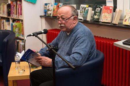 Autor Jörn Wilhelm las aus seinen Erinnerungen an eine Kindheit in Schnelsen