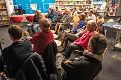 Die Bücherhalle Niendorf ist ein idealer Ort für Werkstattgespräche