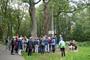 Der Obelisk am Heckenrosenweg erinnert an eine früh verstorbene Tochter der Axen-Familie, die um 1800 auf dem Kollauer Hof eine wichtige Rolle in der Hamburger Gesellschaft spielte